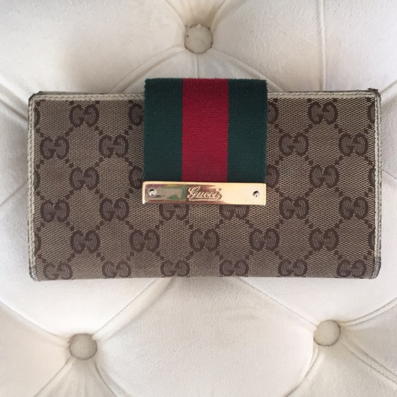 Gucci Handbags - Authentic Gucci Continental Logo Wallet